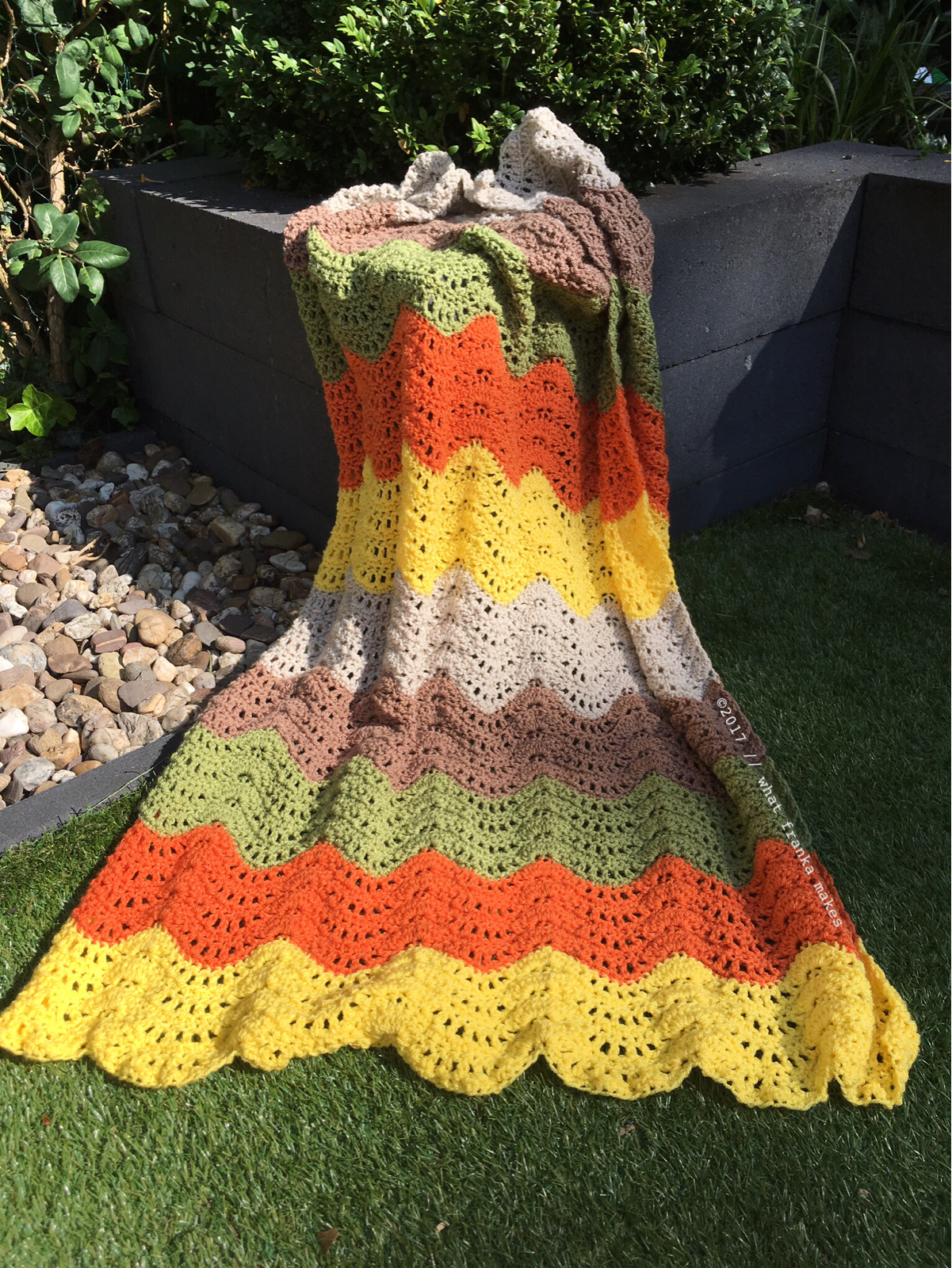 what franka makes: Feather and Fan Baby Blanket (pattern: persialou ...