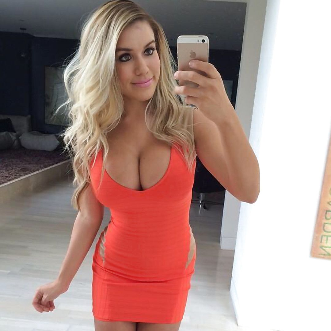 Cleavage Chantel Zales naked (96 pics), Selfie
