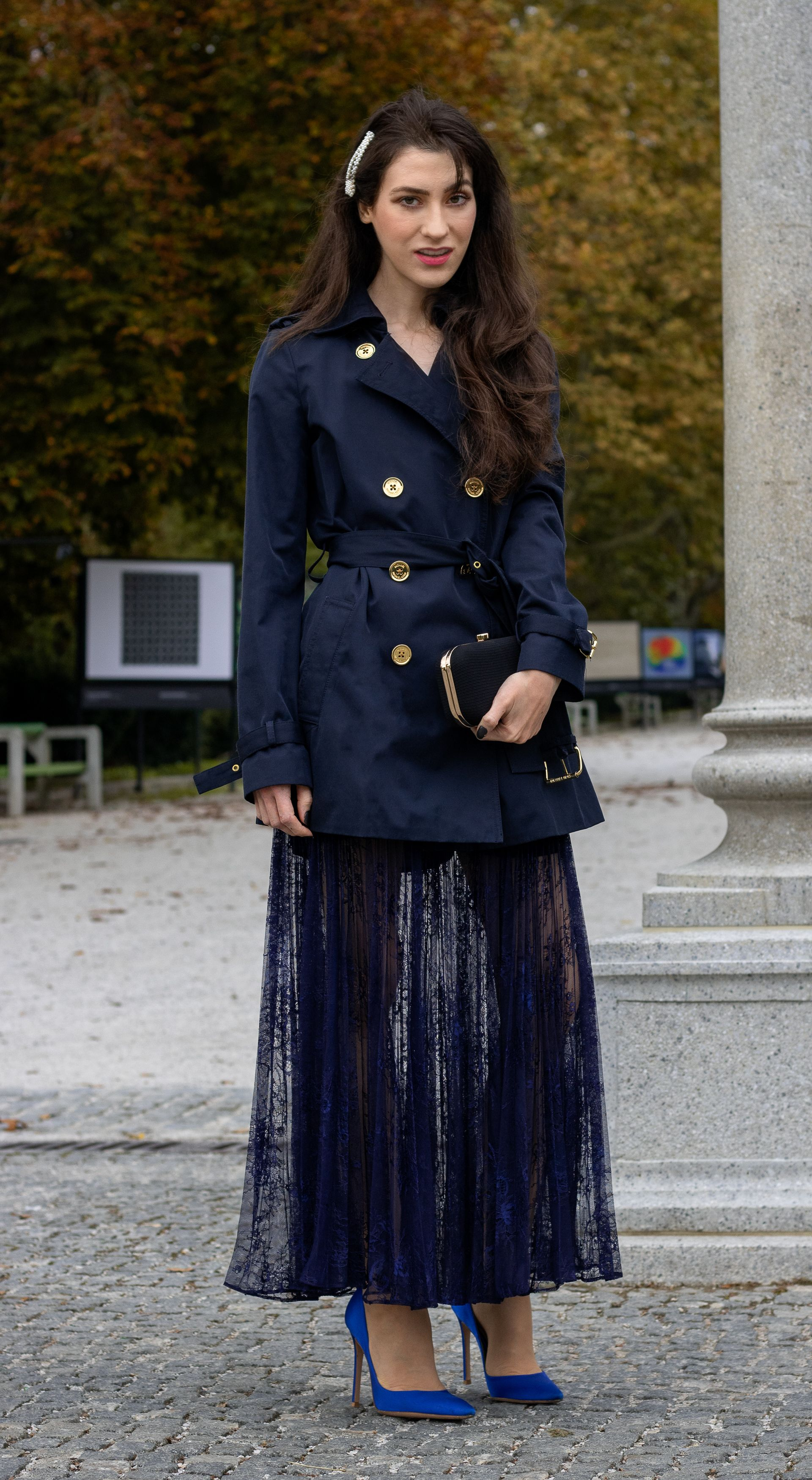 Can you wear a trench coat for a black tie wedding in fall