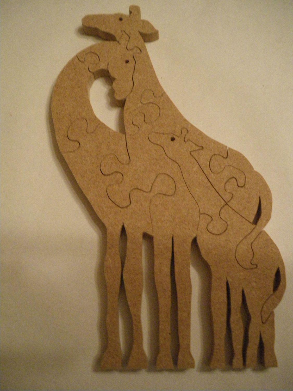 puzzle couple de girafes avec leur petit en bois de m dium. Black Bedroom Furniture Sets. Home Design Ideas