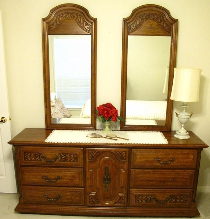 Sumter Furniture Sumter Sc Double Dresser W Double Mirrors