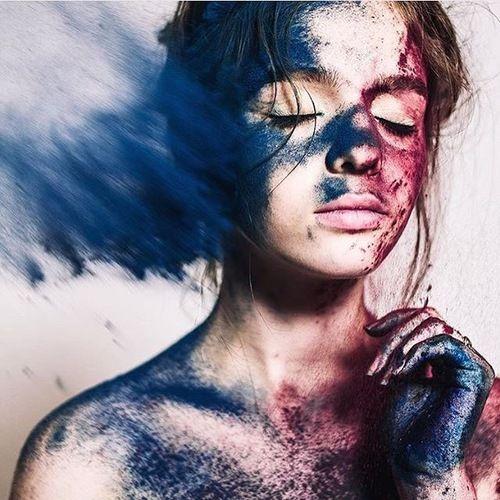 Imagen de blue, girl, and red