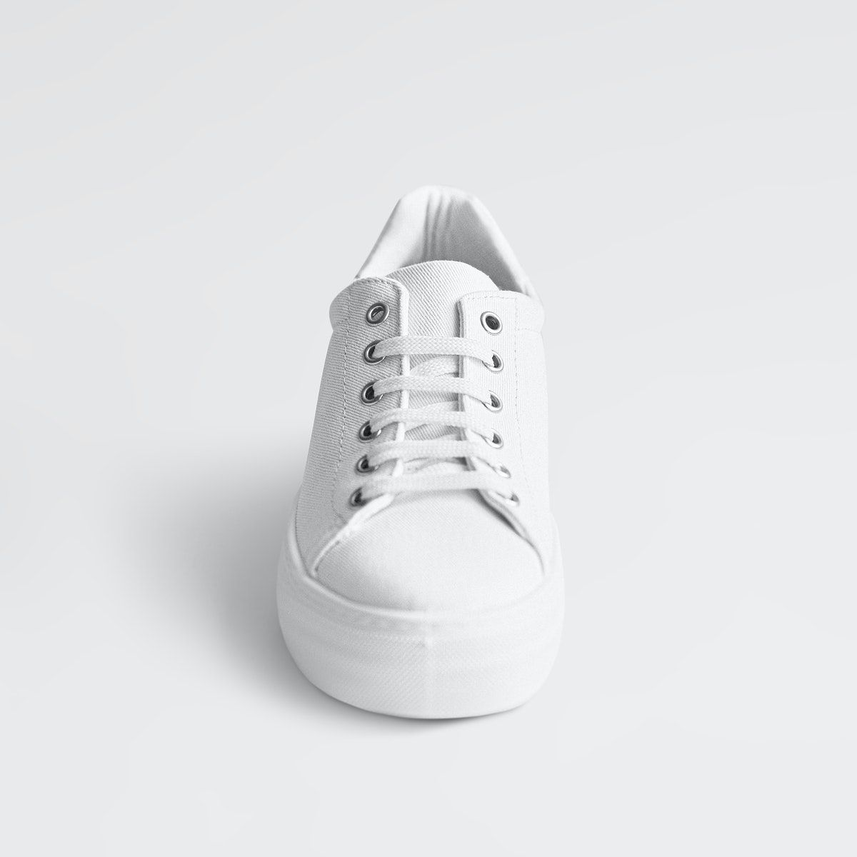 Download Download Premium Illustration Of Psd White Canvas Sneakers Mockup Minimal White Canvas Shoes White Canvas Clothing Mockup