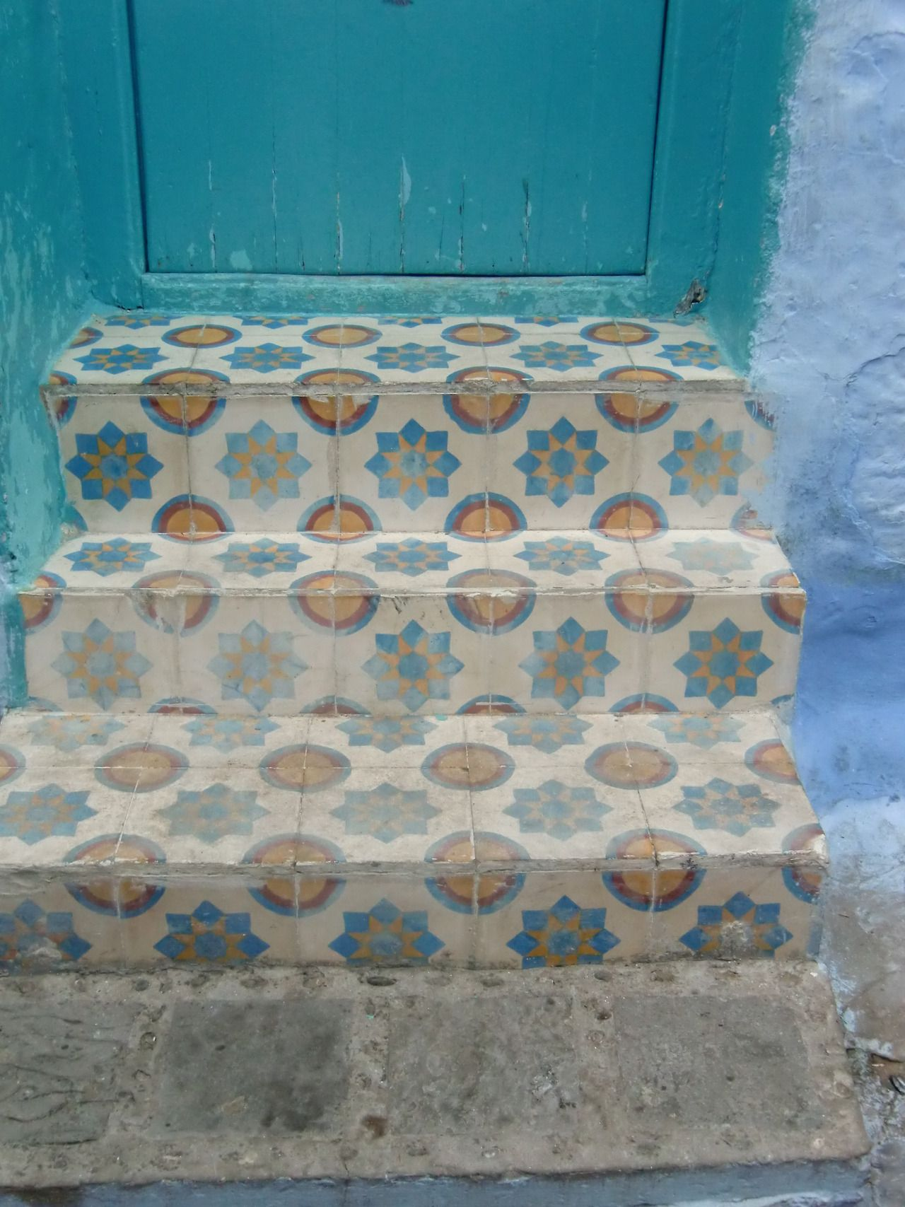 Handmade tiles can be colour coordinated and customized re. shape ...