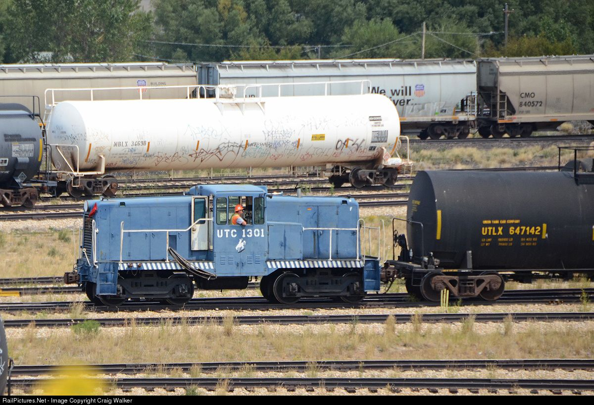 Railpicturesnet photo utcx union tank car company ge ton