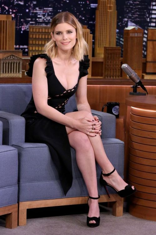 Celebrity Crossed Legs In Short Stylish Outfits And High