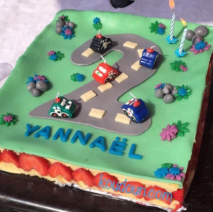 gâteau anniversaire route voiture enfant | koudoun's easy cake