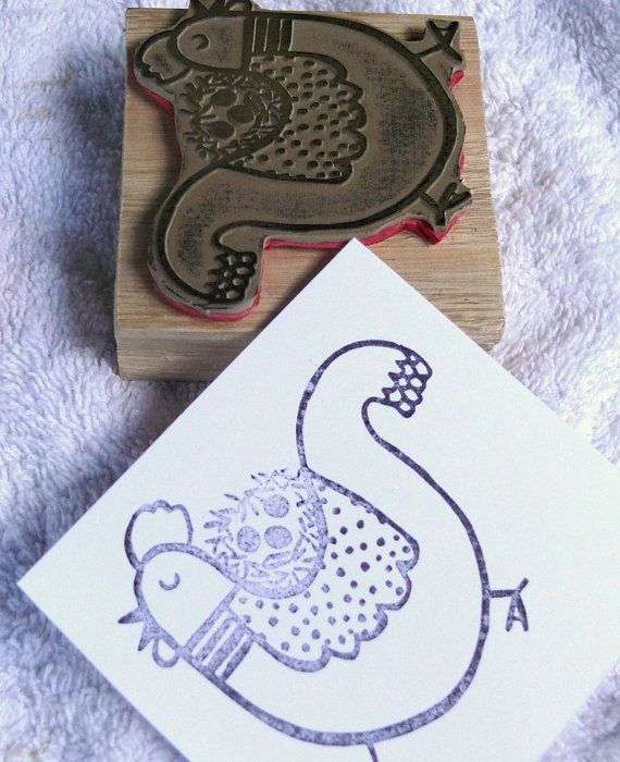Rubber stamp for children - Back to school  - DIY projects for kids - Personalizing personal objects -Mom Chicken rubber stamp