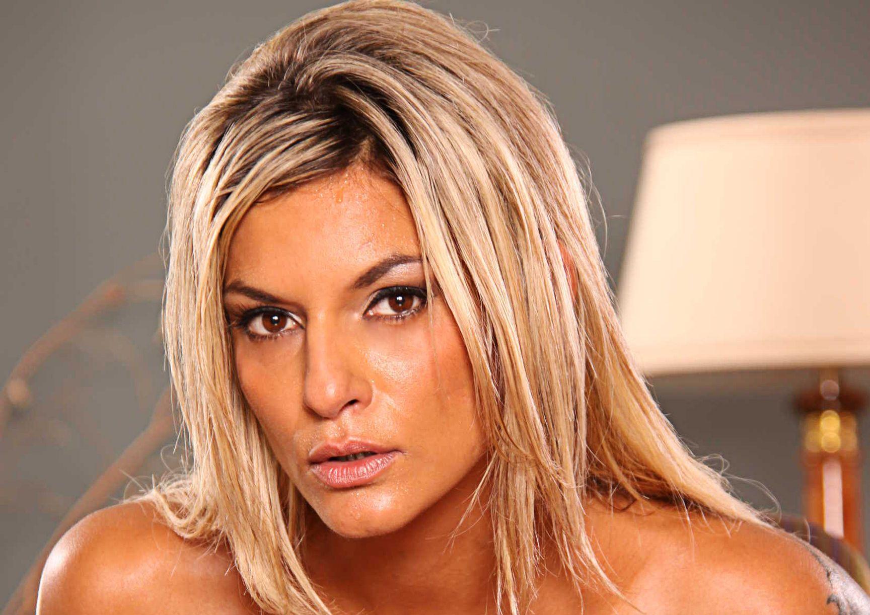 Klarisa Nude Photos 33