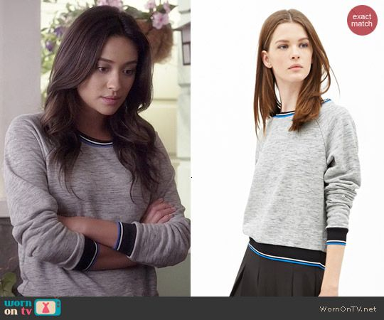 8d7156379d0 Emily s grey sweatshirt with black and blue trim on Pretty Little Liars.  Outfit Details