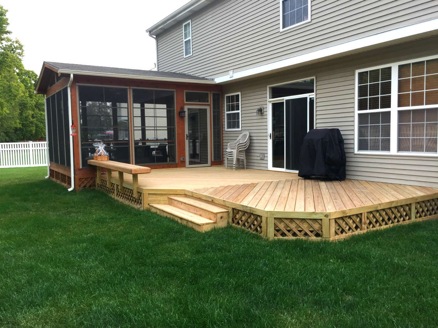 This Screened Porch And Deck Combination Were Custom Designed And Built By New Lenox Il Screened Porch Desig Wood Deck Designs Patio Deck Designs Patio Design