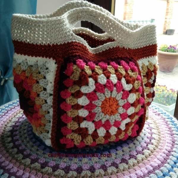 Small Granny Square Project Bag Tutorial #freecrochetpattern ...