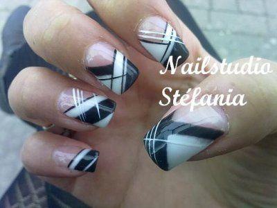 Déco ongles noir et blanc