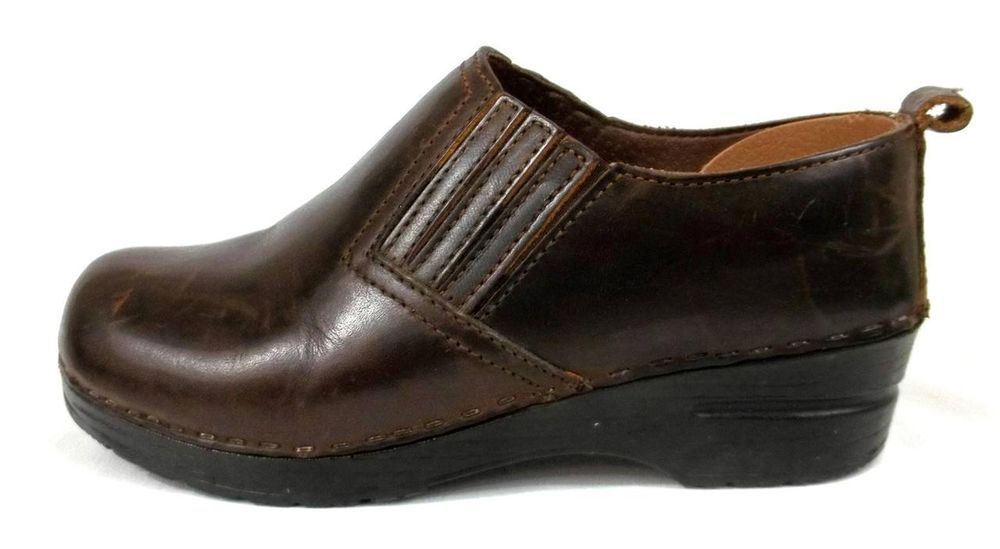 Sanita Clogs Brown Leather Comfort Nurse Uniform Shoes Womens 7.5 8 EU 38 #Sanita #NursingUniform