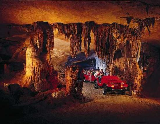 Fantastic Caverns Is The Only Cave In North America That