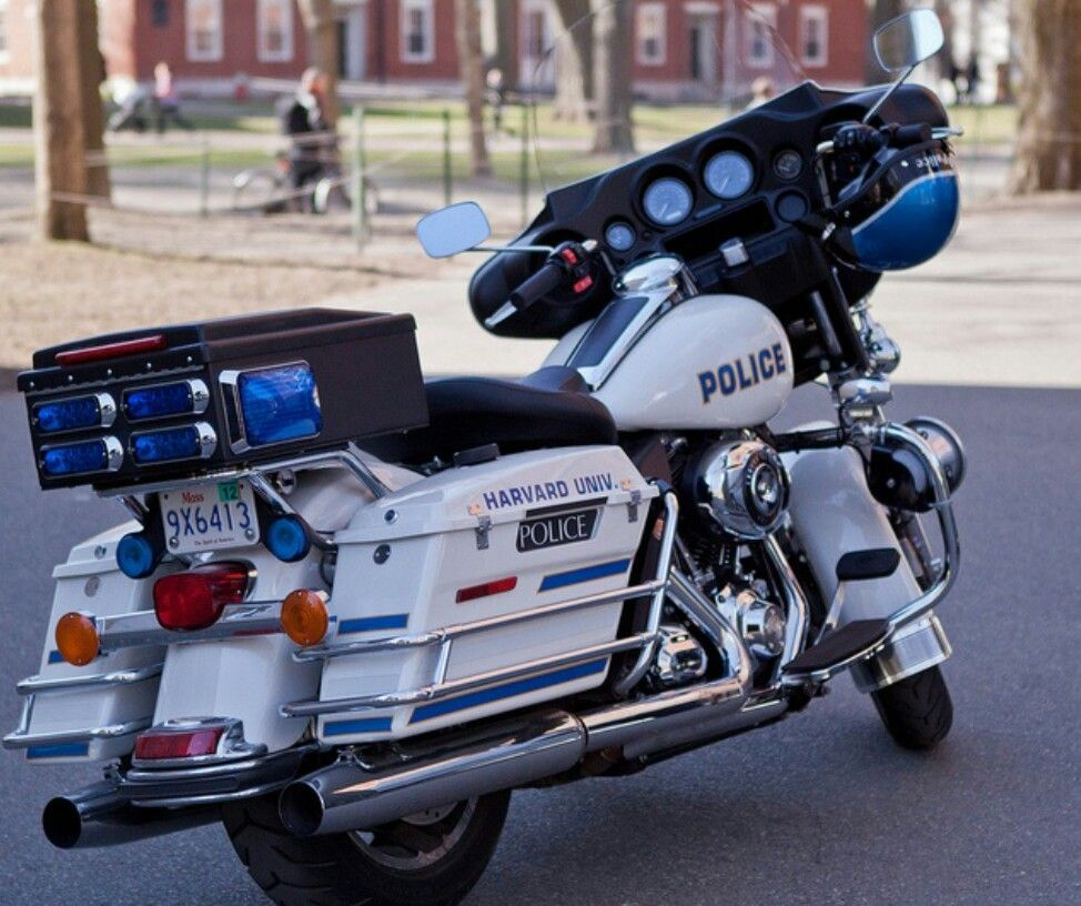 Nice bike . Police cars, Old police cars, Rescue vehicles