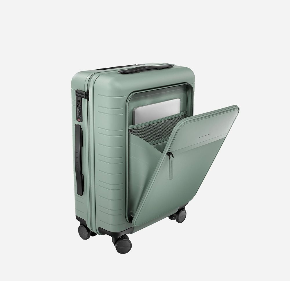 Cabin Luggage with Travel Assistance luggage The Best Carry-On Luggage in 2019 for Every Taste and Budget
