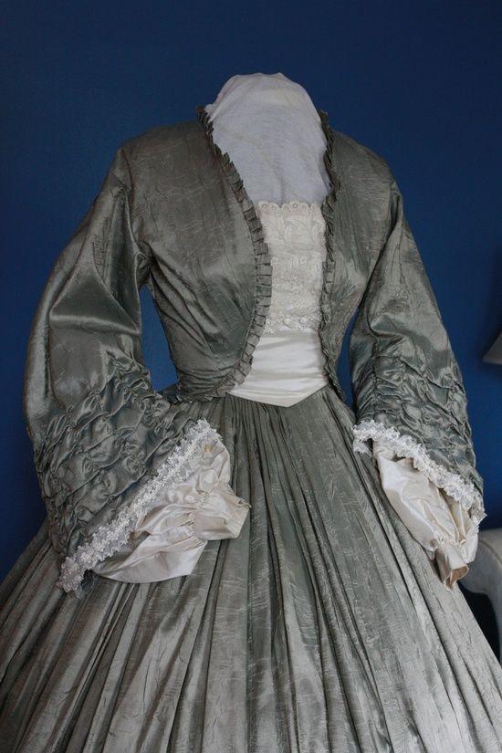 Dress with bolero jacket. Around 1860