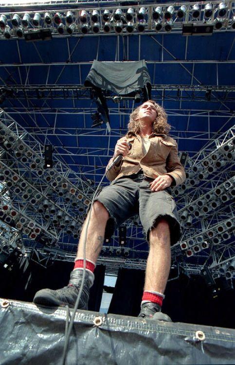 Pearl Jam S Eddie Vedder Lollapalooza Molson Park Barrie