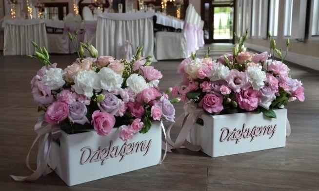 Zobacz Zdjecie Podziekowania Dla Rodzicow Skrzynki Pod Prezenty I Kwiaty Bajeczny Slub W Pelnej Rozdzielczosci Wedding Deco Flower Arrangements Wedding Day
