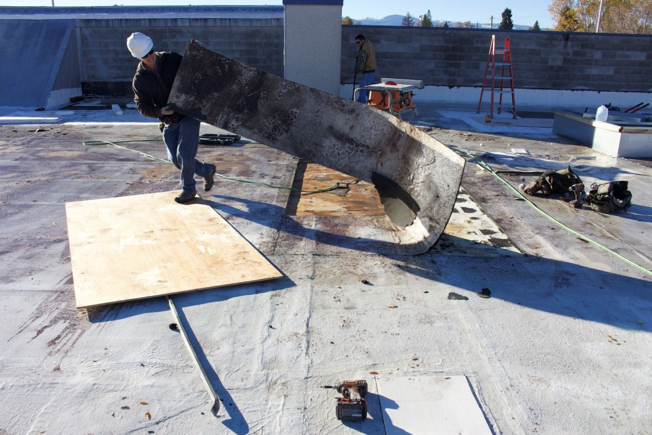 When To Hire A Commercial Roof Repair Professional Commercial Roofing Roof Repair Inglewood