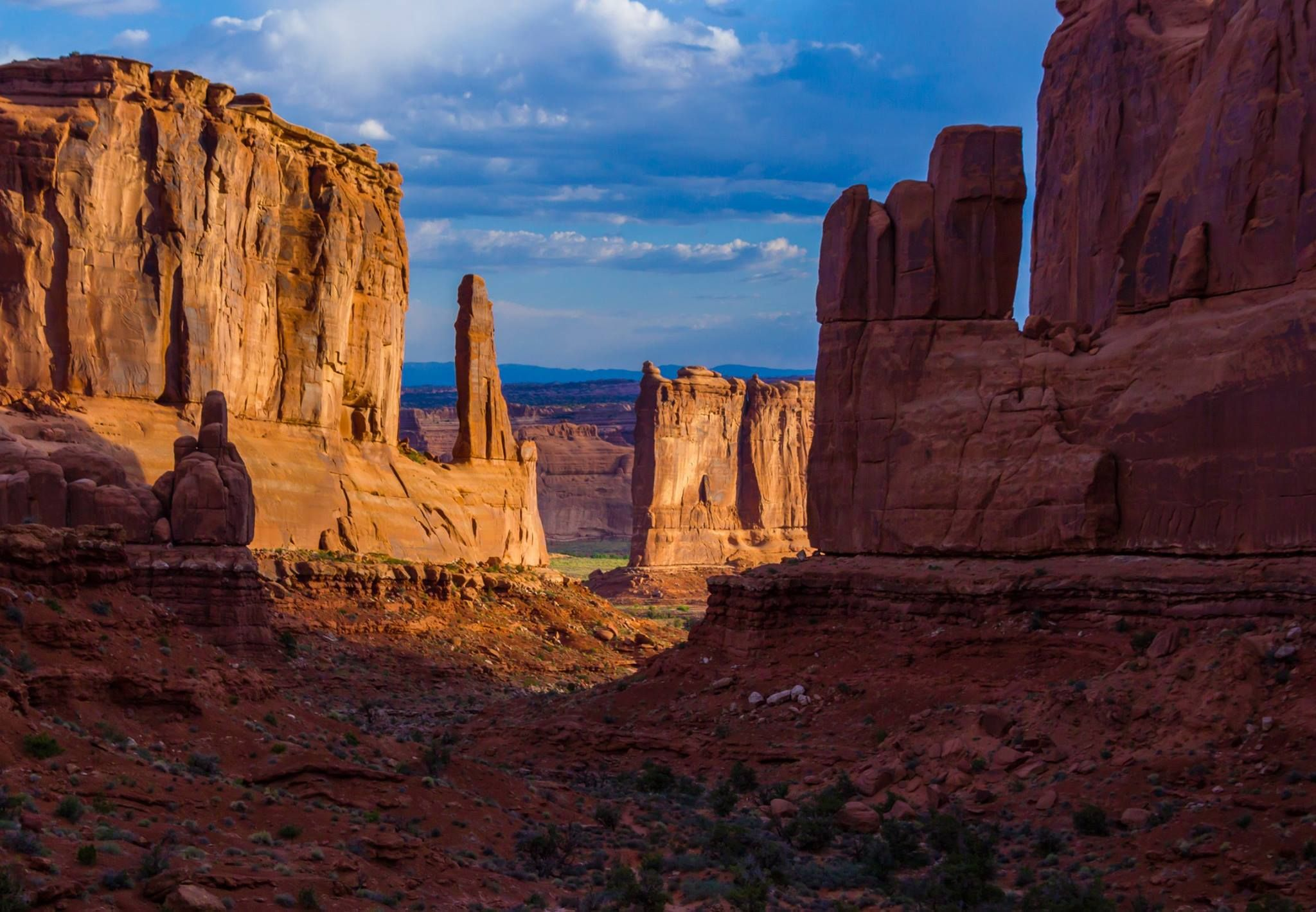 The majestic Park Avenue in Arches National Park. #Utah