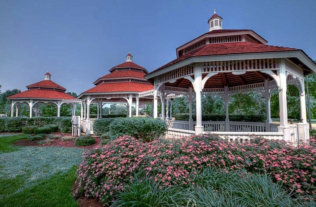 560b2a6a1855cce34c7ed7ee0b827493 - Shrek The Halls Auburn Botanic Gardens