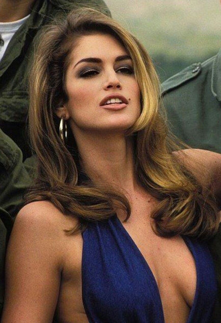 7e10b97fa91 Cindy Crawford
