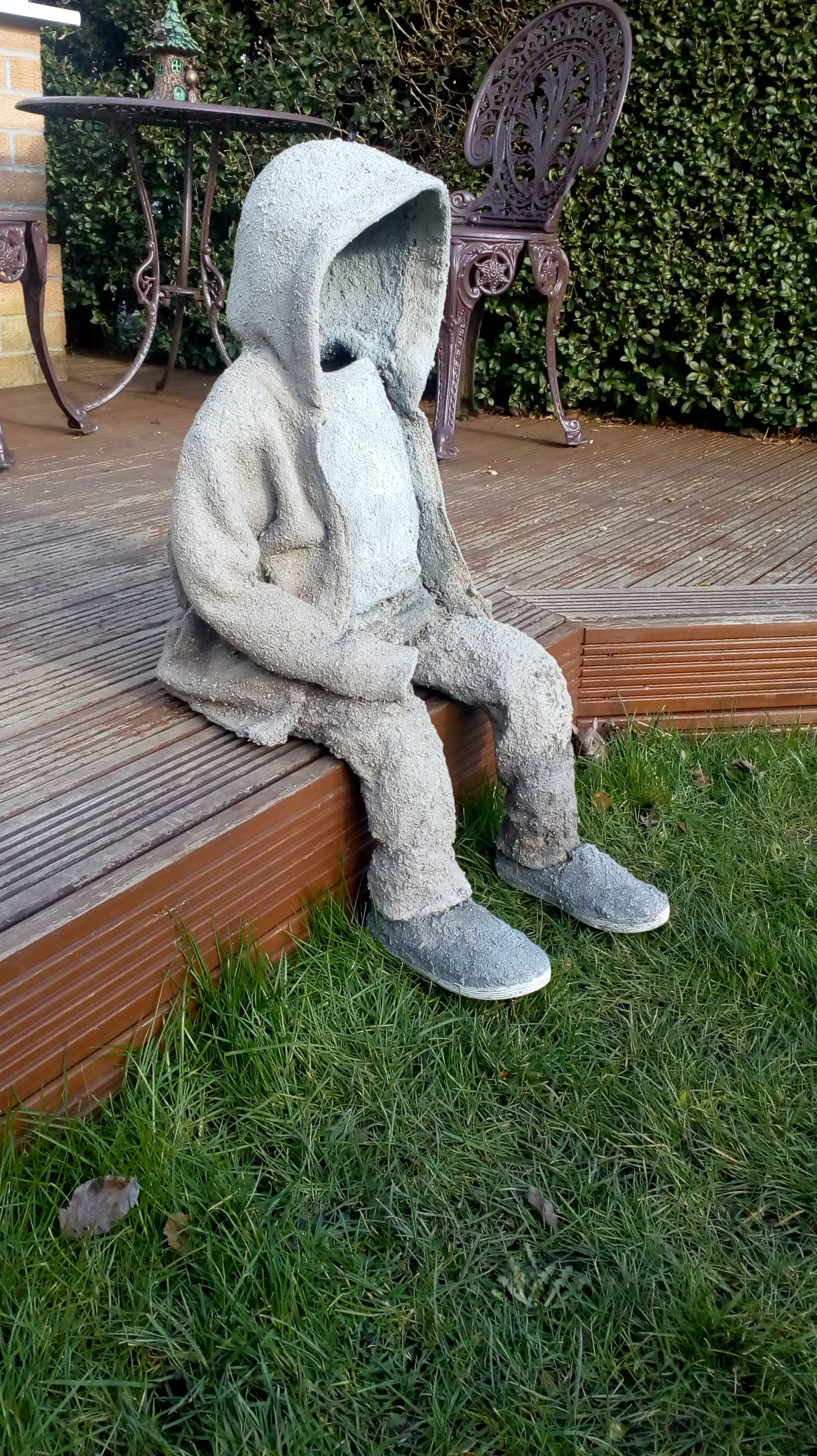 Draped Concrete Statue Of Small Child Made Using Equal Parts Sand Peat And Cement Concrete Statues Concrete Crafts Recycle Sculpture