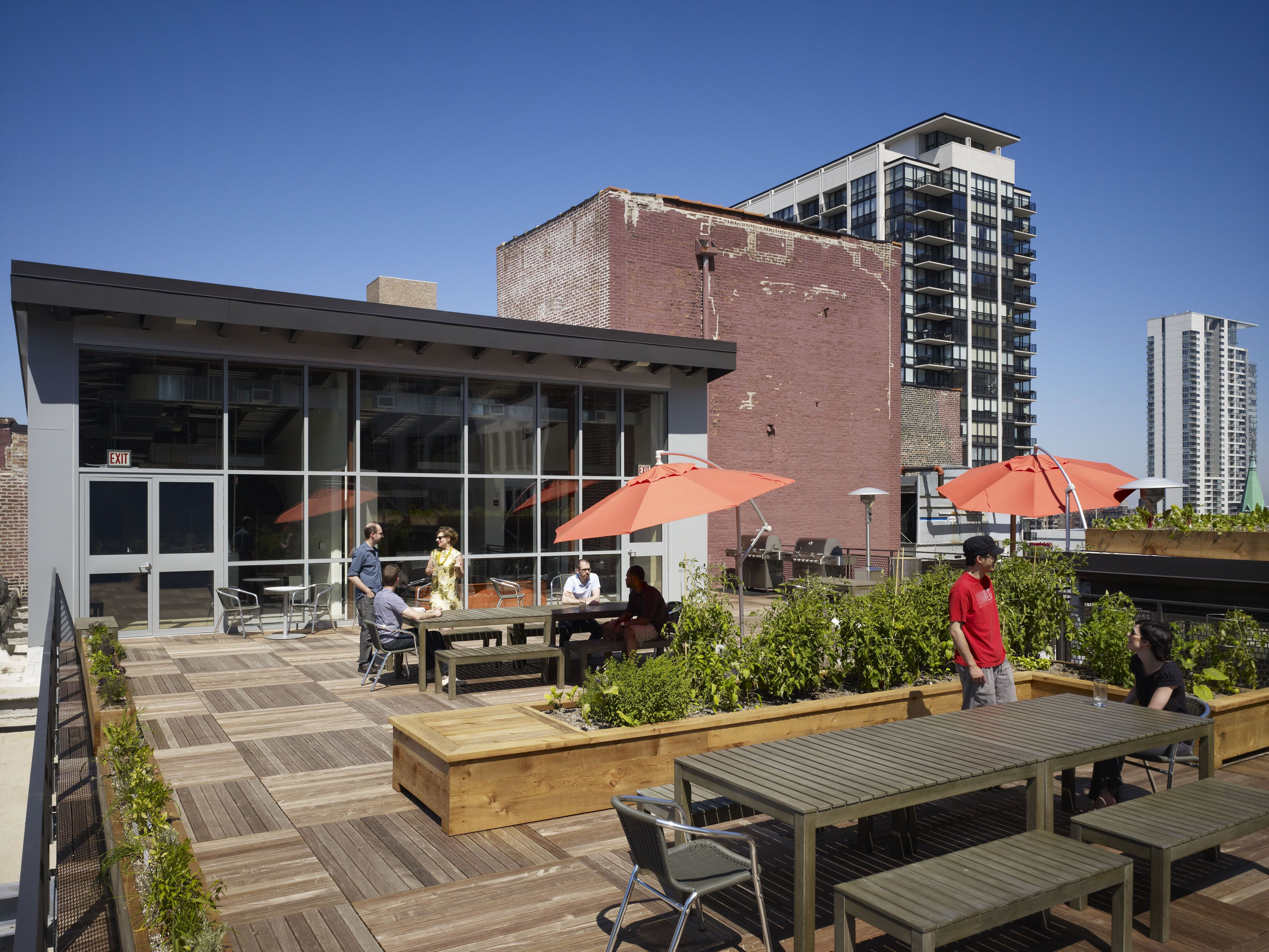 Ideo Corporate Rooftop Deck Bison Innovative Products Roof Terrace Design Terrace Design Rooftop Deck