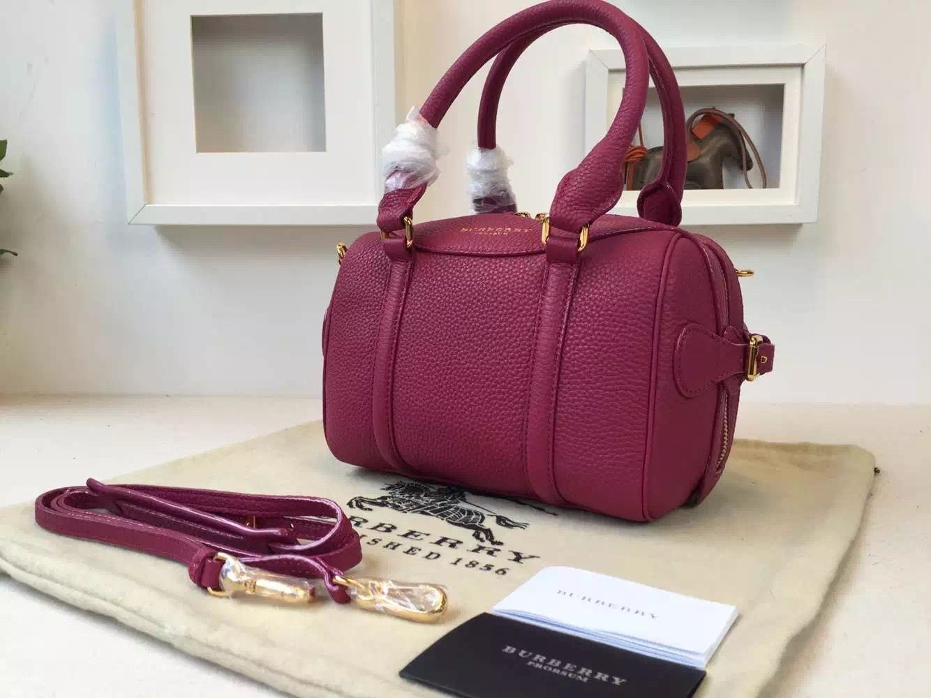 Burberry 39733391 The Mini Bee In Grainy Tulip Pink Leather 2015 ... 874f91527ddb1