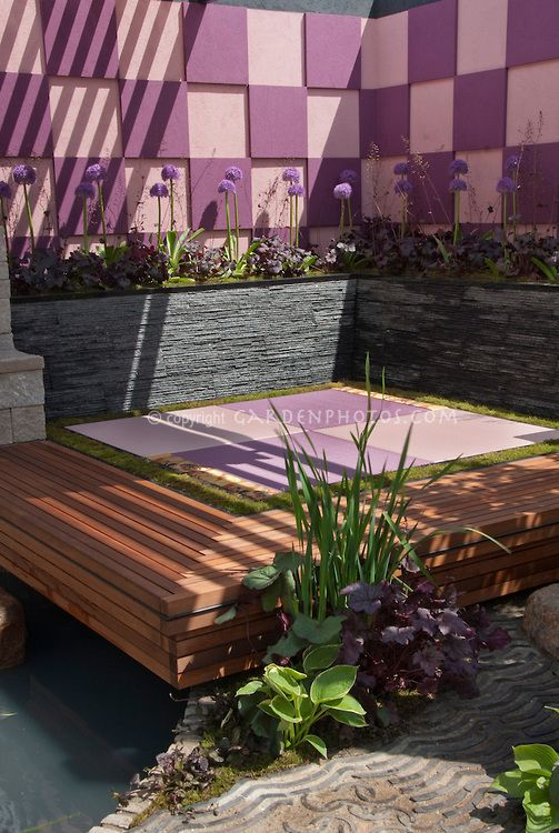 Outdoor meditation room with japanese oriental style for Japanese meditation garden design
