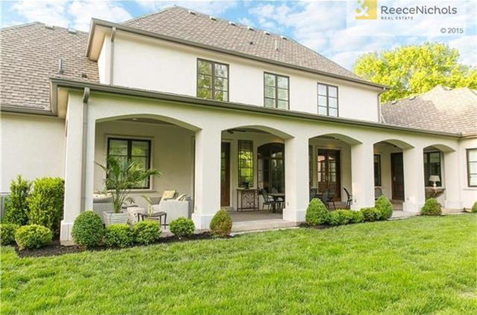 View 25 photos of this $2,495,000, 4 bed, 6.0 bath, 5575 sqft single family home located at 835 W 52nd St, Kansas City, MO 64112 built in 2013. MLS # 1958066.