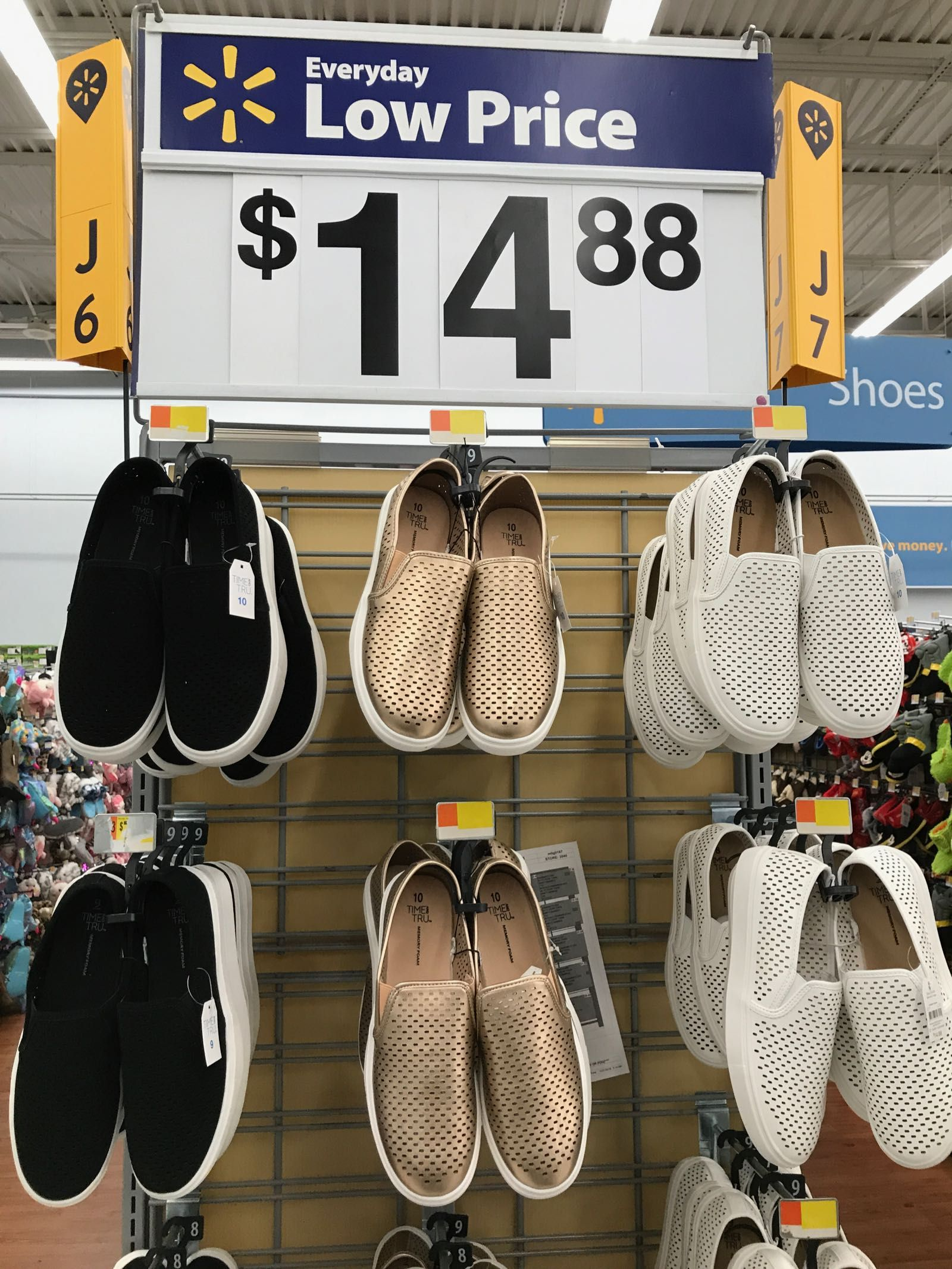 Off The Rack Spring Clothes At Walmart 2019 Walmart Outfits Walmart Fashion Womens Summer Shoes