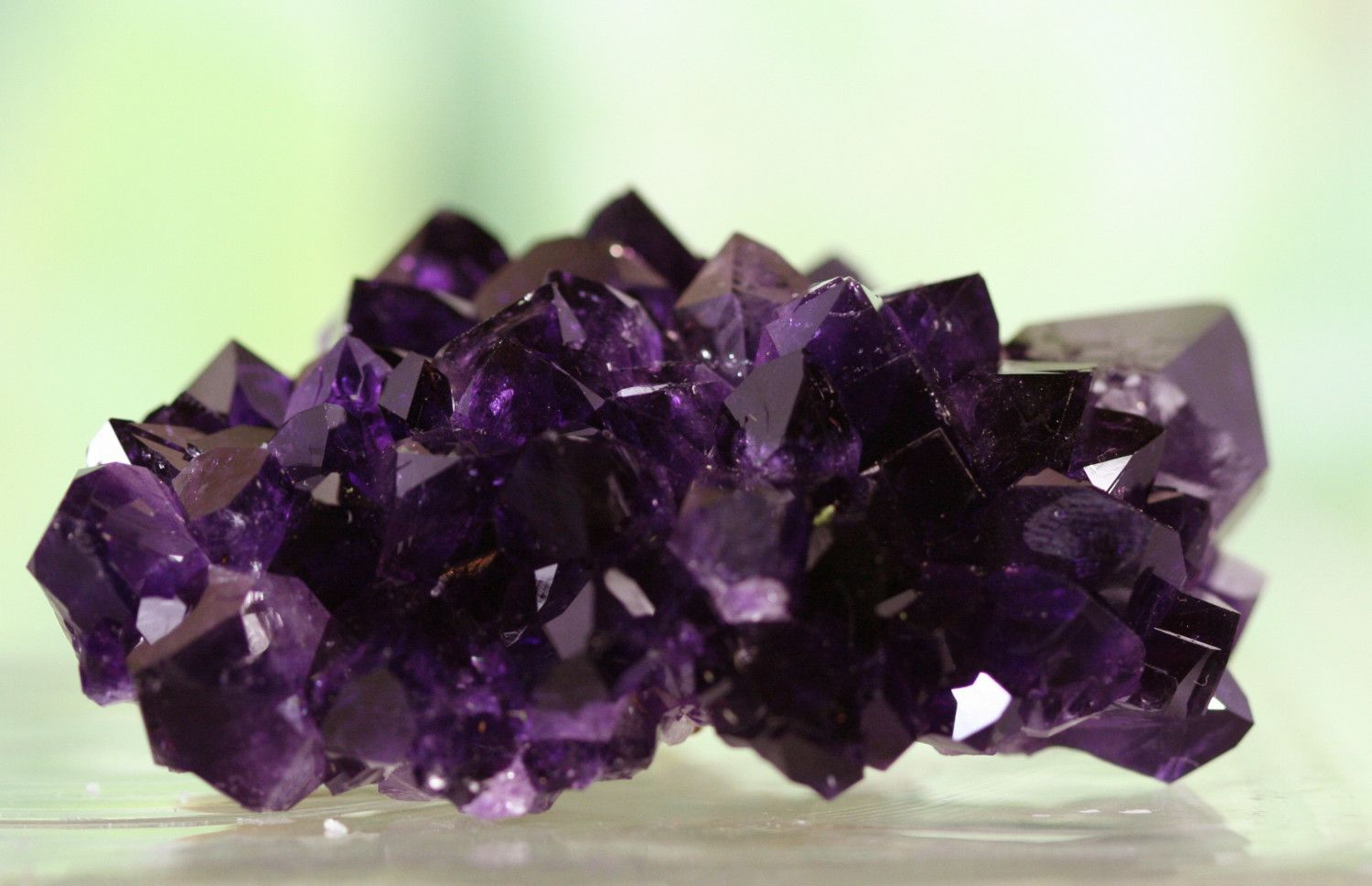 Amethyst crystal great for feng shui place in your wealth amethyst crystal great for feng shui place in your wealth prosperity area biocorpaavc Images
