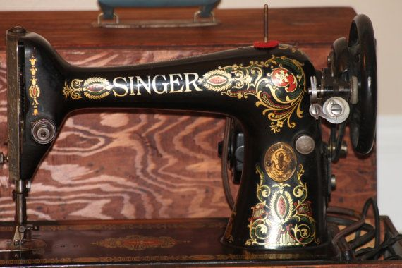 Antique Singer Sewing Machine Red Eye 40 Portable Electric Mesmerizing 1915 Singer Sewing Machine