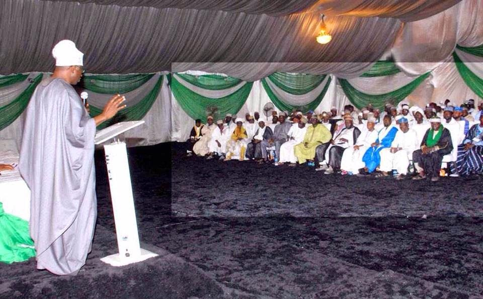 Ekpo Esito Blog: Jonathan met with Islamic clerics and scholars fro...