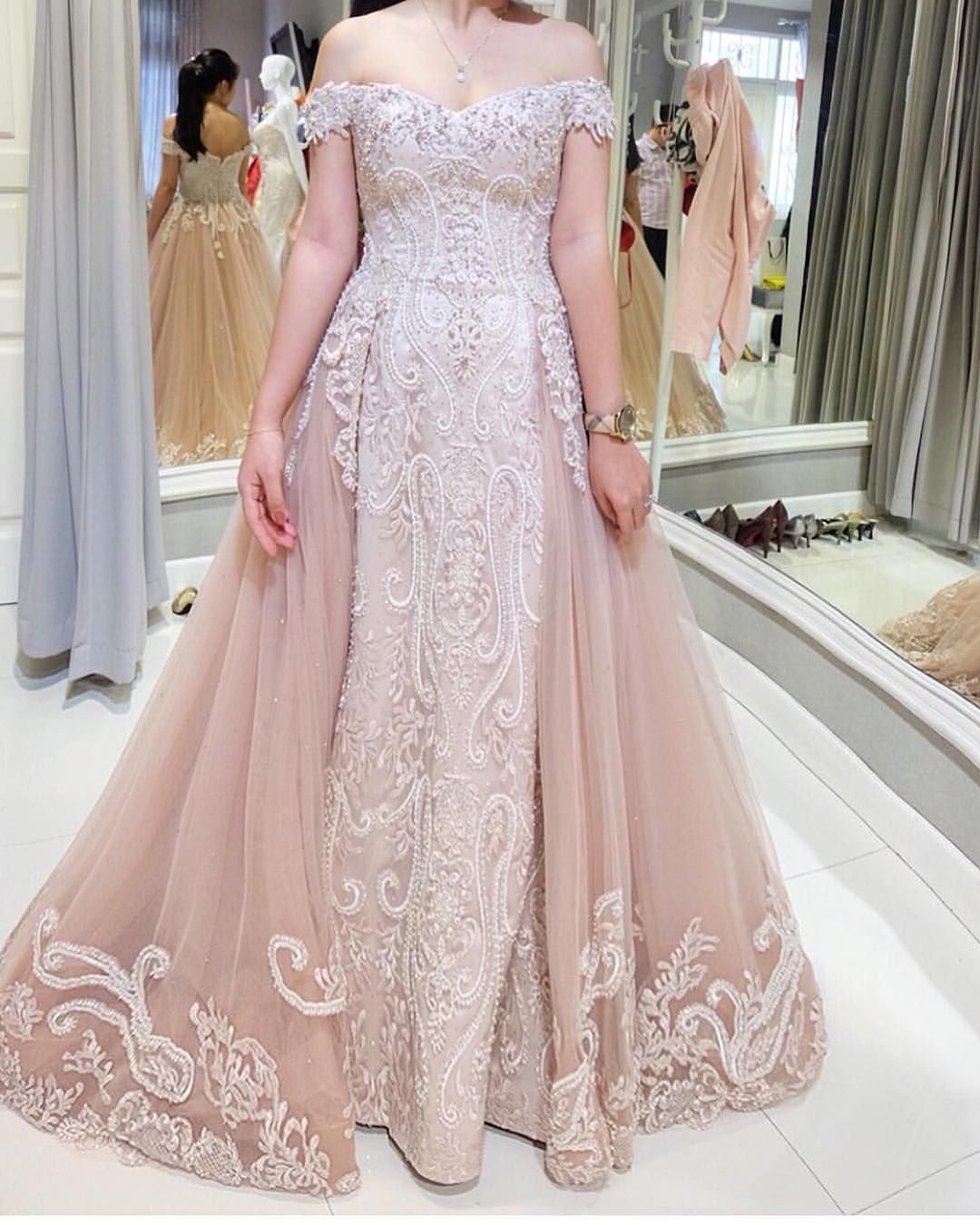 Custom wedding dress designers  USA Replica Wedding Dresses  Inspired Designer Evening Gowns  The