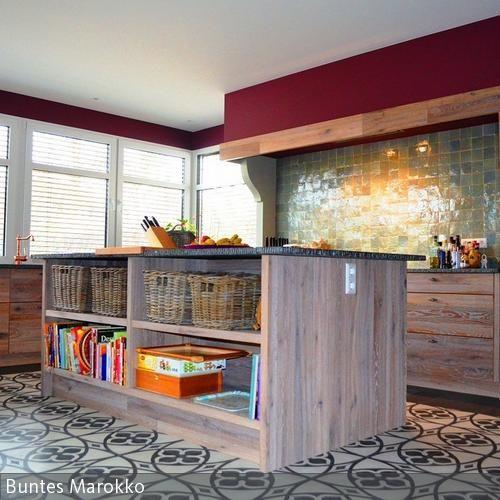 Die Einmaligkeit von spanischen Zementfliesen liegt vor allem in der Pracht ihrer Muster. Ein mit den Mosaik Zementfliesen verlegter Boden wird immer zum  …