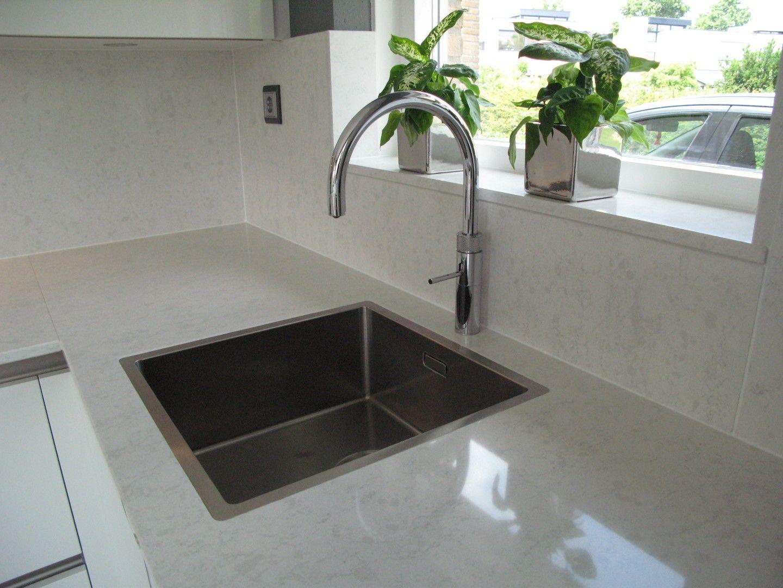 Complete Witte Hoogglans Keuken.Moderne Greep Loze Hoogglans Keuken Voorzien Van Atag