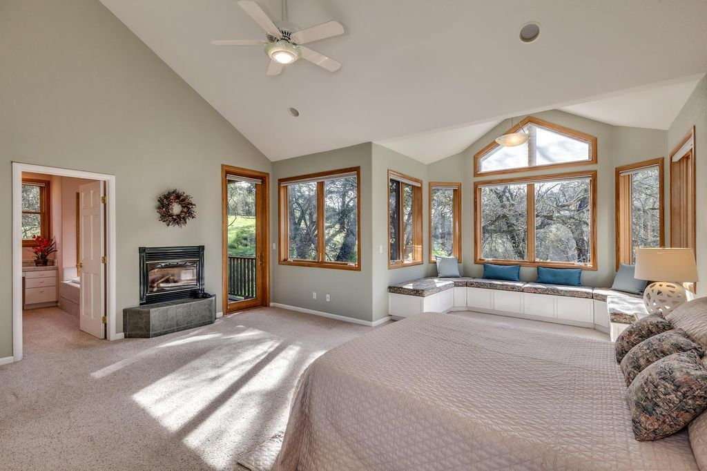 Large Bedroom Sun Drenched Windows With Views Large Bedroom