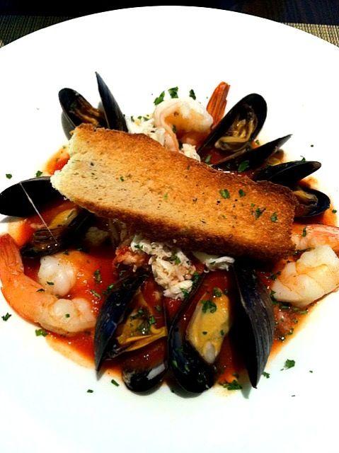 レシピとお料理がひらめくSnapDish - 1件のもぐもぐ - seafood stew over roasted corn risotto by Gina Lynn