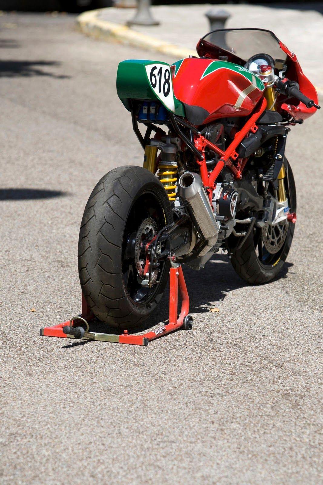 Radical Ducati S.L.: TT 900 en DESMO