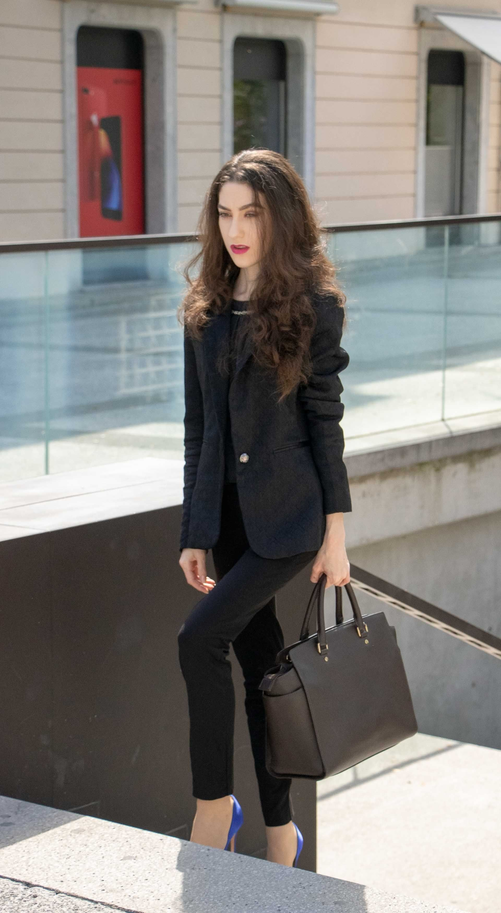 ef438736f26 5 fashionable business outfits you can wear for work this autumn. From  business professional to business casual here are best fall office ready  outfits!