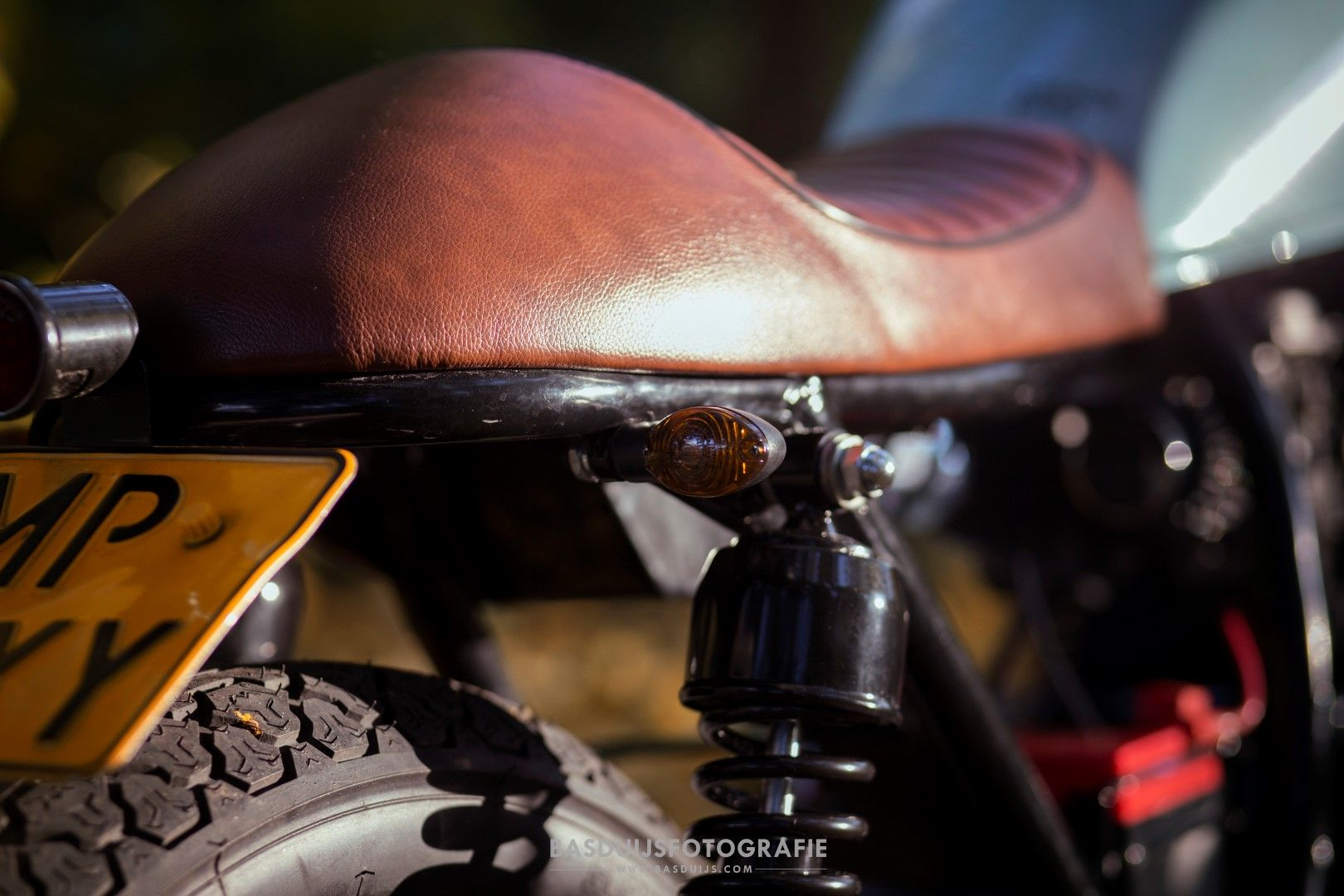 http://columnm.com/suzuki-gs450l-by-wrench-kings-2267-2/