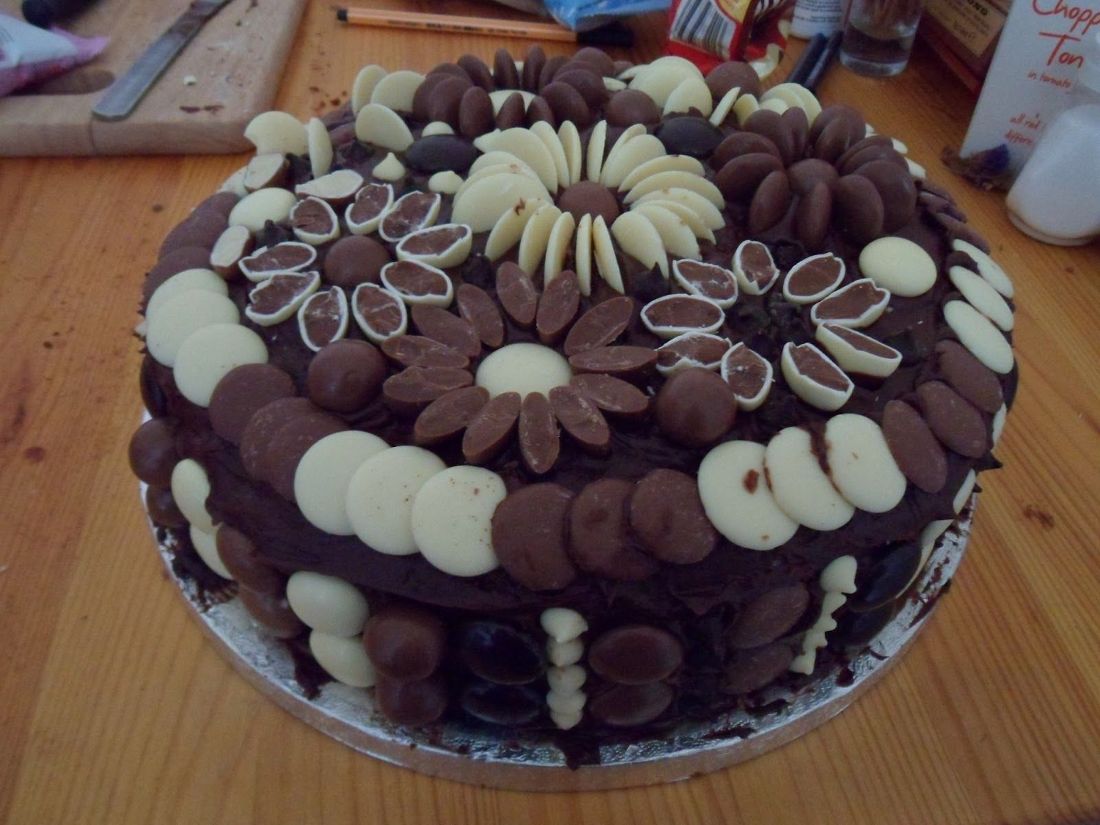 How To Make Chocolate Flower Cake Decorations Chocolate flowers