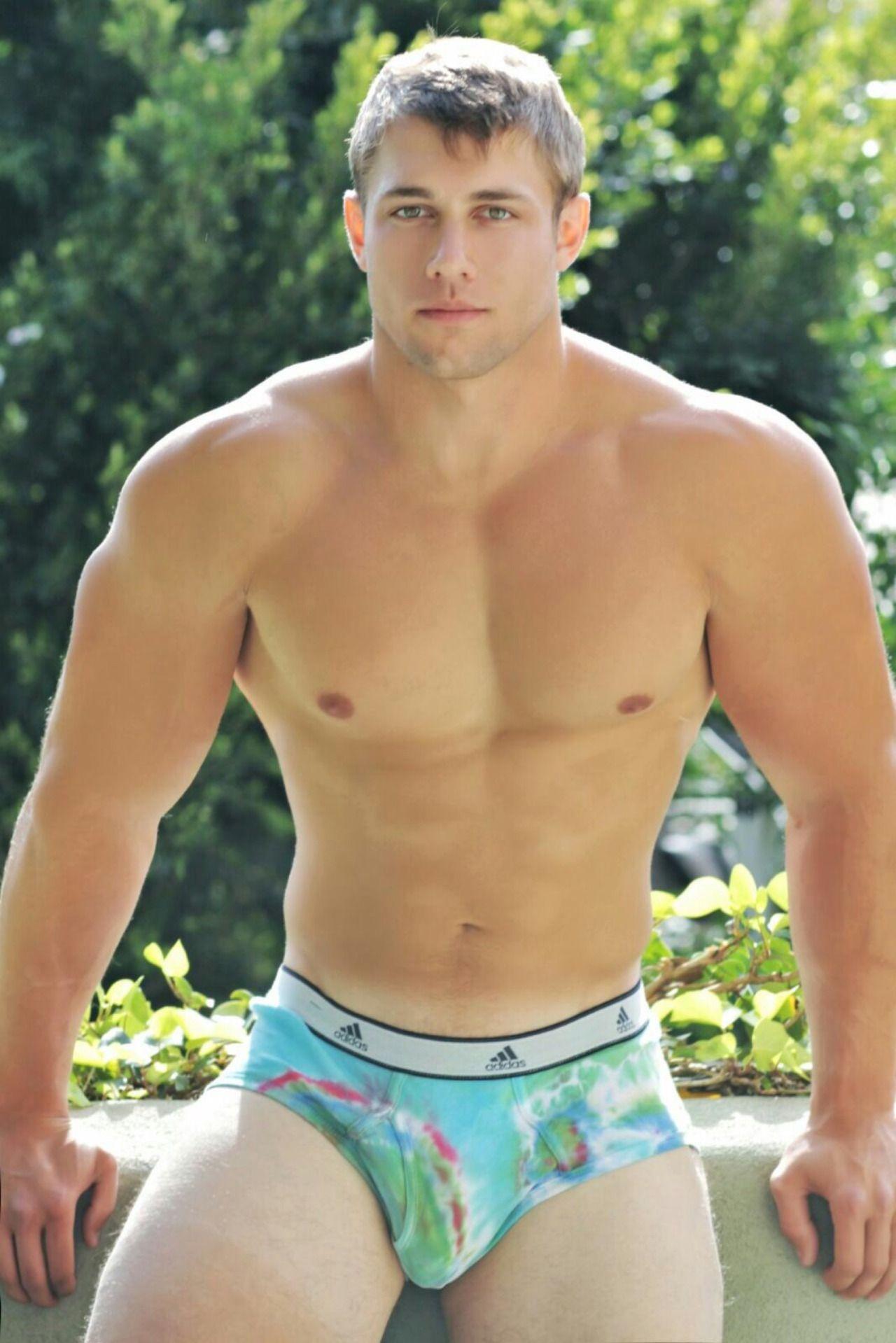 nude-gay-men-underwear-gallery-tanned