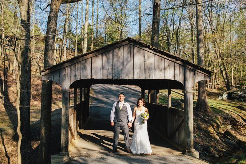 Smokey Glen Farm Pavilion Wedding Pictures Brittany Thomas The Blog Smokey Glen Farm Wedding Photographer Farm Wedding Barbecue Wedding Pavilion Wedding
