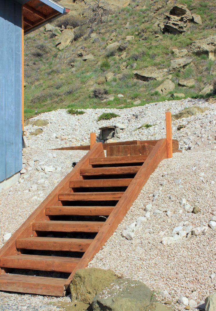 gartentreppe-selber-bauen-holz-konstruktion-fertig-steil-hang ...