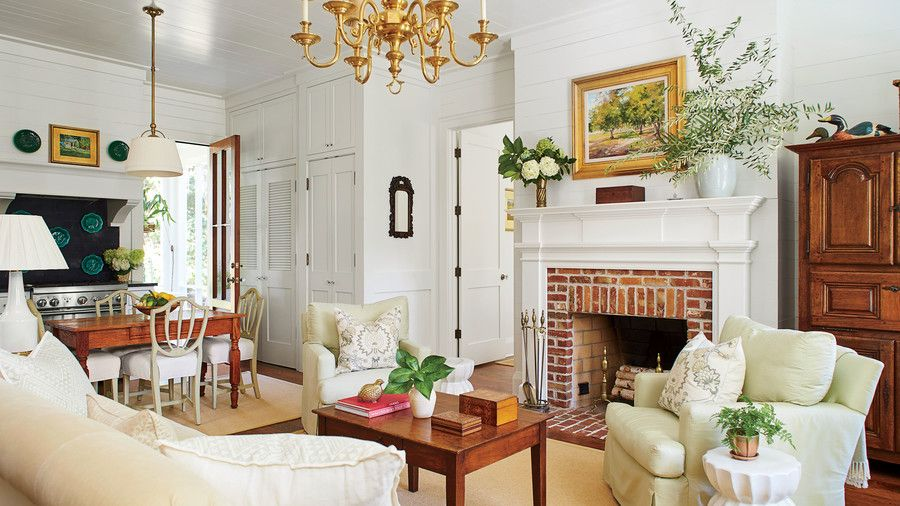 Our New Favorite 800 Square Foot Cottage That You Can Have Too Small Cottage Homes Cottage Interiors Southern Cottage